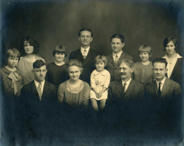 Brady Family - front row - Hermon, Martha (Kit), Betty (Welcher) Dan and RalphBack Row - Dorothy, Mabel,Elsie, Orie, Dale, Dessie and Florence