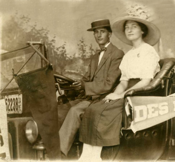 Gene (20 yrs) and Mary (18 yrs) at Iowa State Fair 1913 - where he proposed